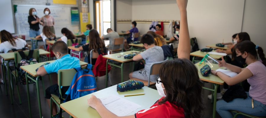 Una aula sabadellenca els primers dies de curs | Roger Benet