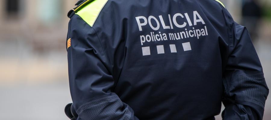 Un agent de la Policia Municipal/ Roger Benet