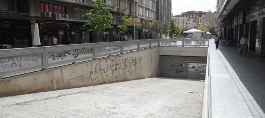 Imatge de l'accés a l'aparcament dels FGC del passeig Manresa | Arxiu