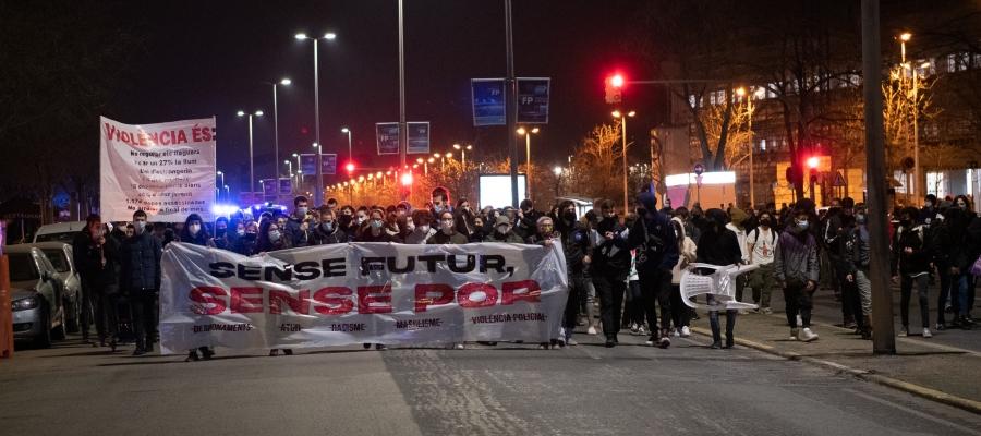 La manifestació sota el lema 'Sense futur, sense por' | Roger Benet