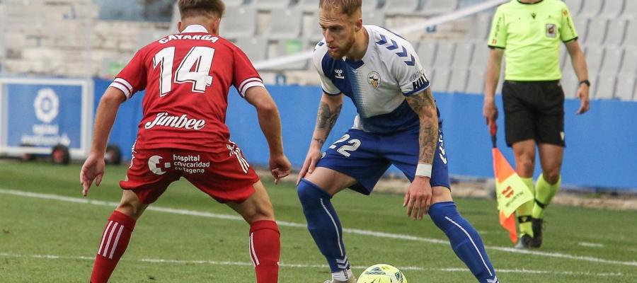 Cornud no va poder acabar el parti ahir per lesió i va deixar l'equip amb nou homes | CES