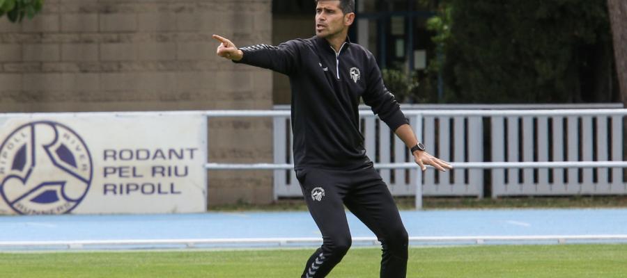 Tot i la derrota a Oviedo, Hidalgo veu en bon moment el seu equip | CES