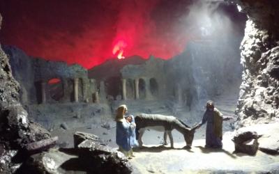 El volcà Vesubi en erupció ha estat una de les escenes dels diorames - © Karen Madrid