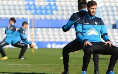 Manu Torres (dreta) s'ha consolidat a l'onze de Romo | Roger Benet (CE Sabadell)