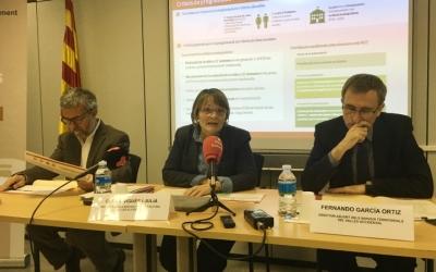 La directora dels Serveis Territorials d'Ensenyament, Carme Vigués, en roda de premsa | Mireia Sans
