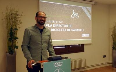 Maties Serracant, presentant els estudis previs al Pla Director de la Bicicleta