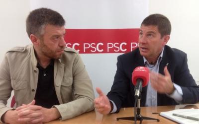 Cristian Sánchez i Josep Ayuso a la seu del grup municipal del PSC. Ràdio Sabadell