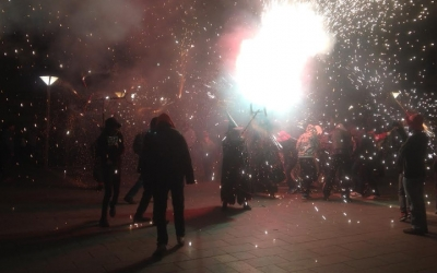 Un moment de la cercavila infernal del Cebafoc 2017. Ràdio Sabadell