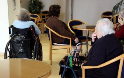 La gent gran és un dels col·lectius més vulnerables