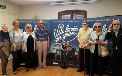 Membres dels casals de gent gran de Sabadell presentant la nova campanya/ Karen Madrid
