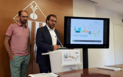 Juli Fernández i Maties Serracant, presentant l'EDUSI/ Karen Madrid