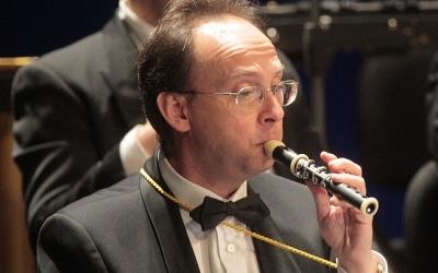 Bernat Castillejo tocant el flaviol. Foto: Sabadell, més Música