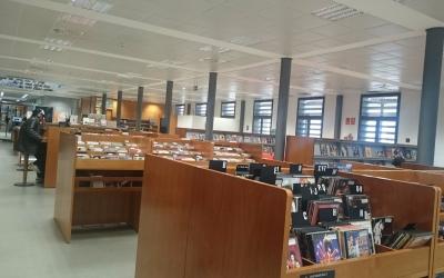 La Biblioteca Vapor Badia és una de les que acull les sales d'estudi