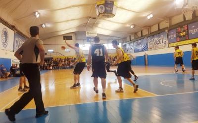 Les Naus van vibrar amb la permanència del Natació Sabadell | Joan Blanch