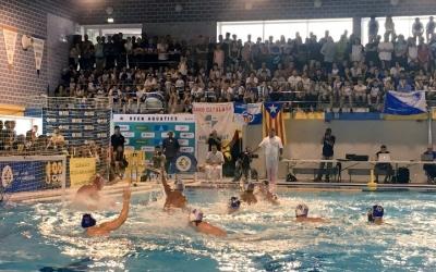 Imatge d'una jugada del partit d'aquest migdia a la piscina de Sant Sebastià