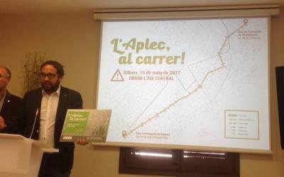 El regidor Guerrero i l'alcalde Juli Fernàndez presentant l'Aplec al Carrer. Foto: Ràdio Sabadell