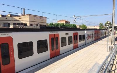 Un dels combois antics de Ferrocarrils a la línia del Vallès | Xavi Miralles