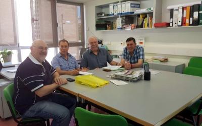 Els membres de la FAV durant la presentació de la macroenquesta aquest matí