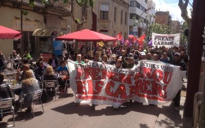 La manifestació al seu pas per la Rambla. Foto: Radio Sabadell