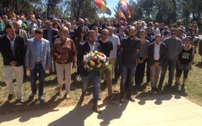 Moment de l'ofrena floral. Foto: Ràdio Sabadell