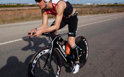 Miquel Blanchart vol millorar el seu rendiment sobre la bicicleta