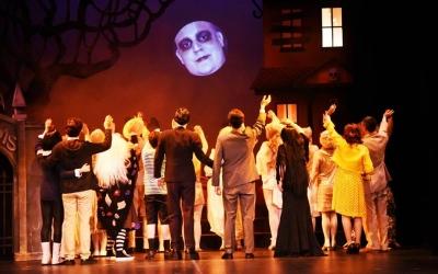 Els Addams van dir adéu ahir al públic sabadellenc