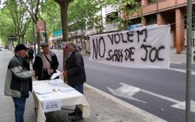 Els veïns de l'Eixample en una de les actuacions de protesta | AV Eixample