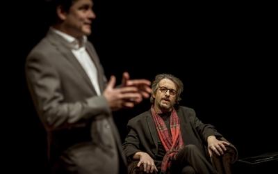Roger Coma i Ramon Madaula damunt de l'escenari. Foto: Sala Muntaner