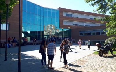 La majoria d'estudiants sabadellencs s'examinen al campus de Covadonga/ Karen Madrid