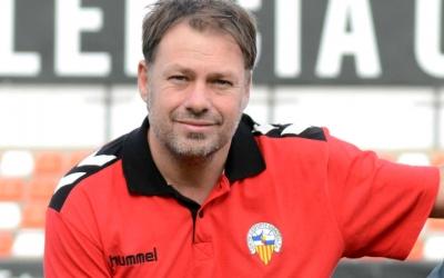 Jose Quereda 'Pirri' fa uns mesos a la ciutat esportiva del Valencia | Roger Benet (CES)