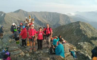 Membres de la UES al cim del Canigó ahir. Foto: Unió Excursionista de Sabadell (UES)