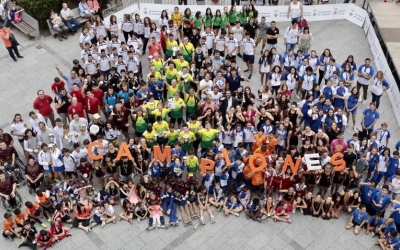 Foto de campions feta ahir al migdia a la plaça Doctor Robert | Juanma Peláez (SBDesport)