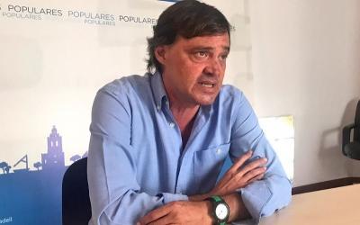 El portaveu del PP, Esteban Gesa, en una roda de premsa | Cedida