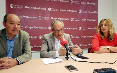 D'esquerra a dreta: Josep Beltran, Carles Rossinyol i Sílvia Renom, regidors de CiU