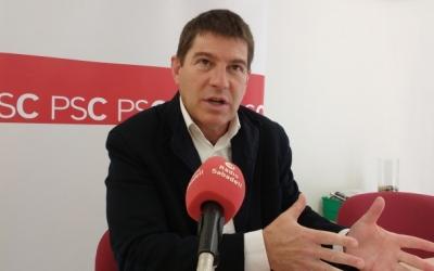 El portaveu del PSC, Josep Ayuso, en roda de premsa | Arxiu
