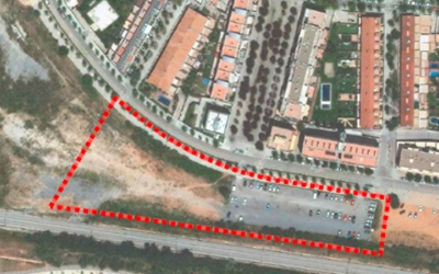 Vista de la parcel·la on s'ubicarà l'institut Can Llong