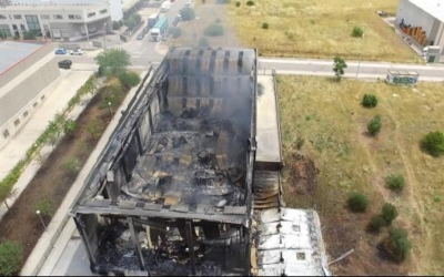 Vista aèria de la nau després de l'incendi | Toni González