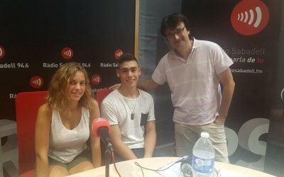 La Maria, en Marc i Manel Sánchez durant la seva visita al programa Desperta Sabadell de Ràdio Sabadell. Foto: Núria Garcia