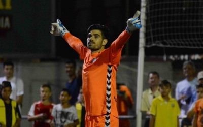 Roberto Gutiérrez celebrant la seva actuació contra la Montanyesa
