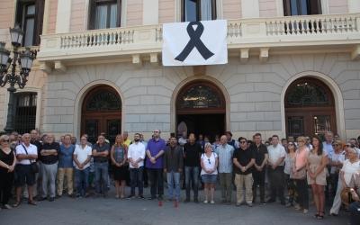 L'endemà dels atacs terroristes, ara fa just una setmana, l'Ajuntament va condemnar enèrgicament els atemptats i va mostrar el seu suport a les víctimes i els seus familiars.