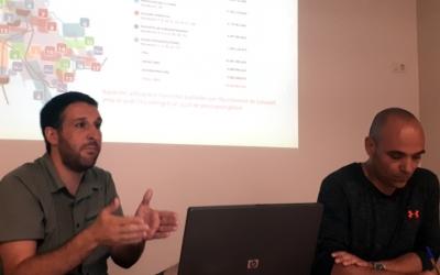 Berlanga, acompanyat del tècnic Oriol Ferrer, ha presentat el Pla Director de l'Aigua al Casal Pere Quart/ Karen Madrid