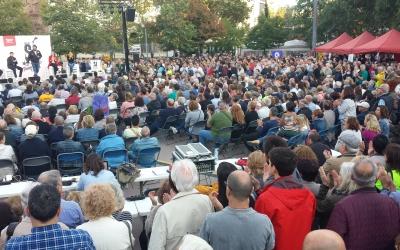 Més d'un miler de persones s'han aplegat a la plaça de la Creu Alta en l'acte de JERC | Pau Duran