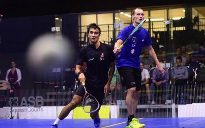 Iker Pajares competint en una torneig a la República Txeca