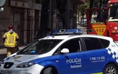 La Policia Municipal treballant a Sabadell | Arxiu