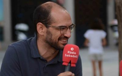 Maties Serracant fent una valoració de la Festa Major a Ràdio Sabadell | Roger Benet