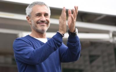 Sergio Dalma durant la seva sessió de signatures i fotografies. Foto: Roger Benet
