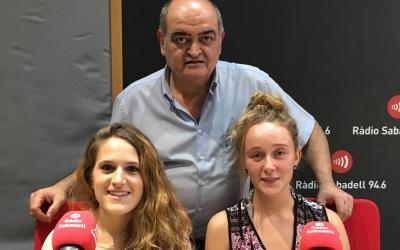 Mar Alonso i Laura Moreno, acompanyades del president del club, César Noguera