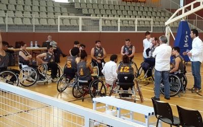 Trigo donant indicacions als seus jugadors | Núria Garcia