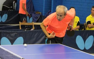 Pere Weisz jugant contra el Vilablareix
