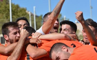 Alegria dels jugadors de la Sabadellenca en el moment del gol
